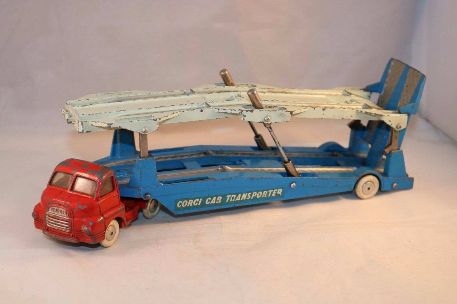 Corgi Toys 1101 Bedford 'S' Carrimore Car Transporter in in in working order 3439bb