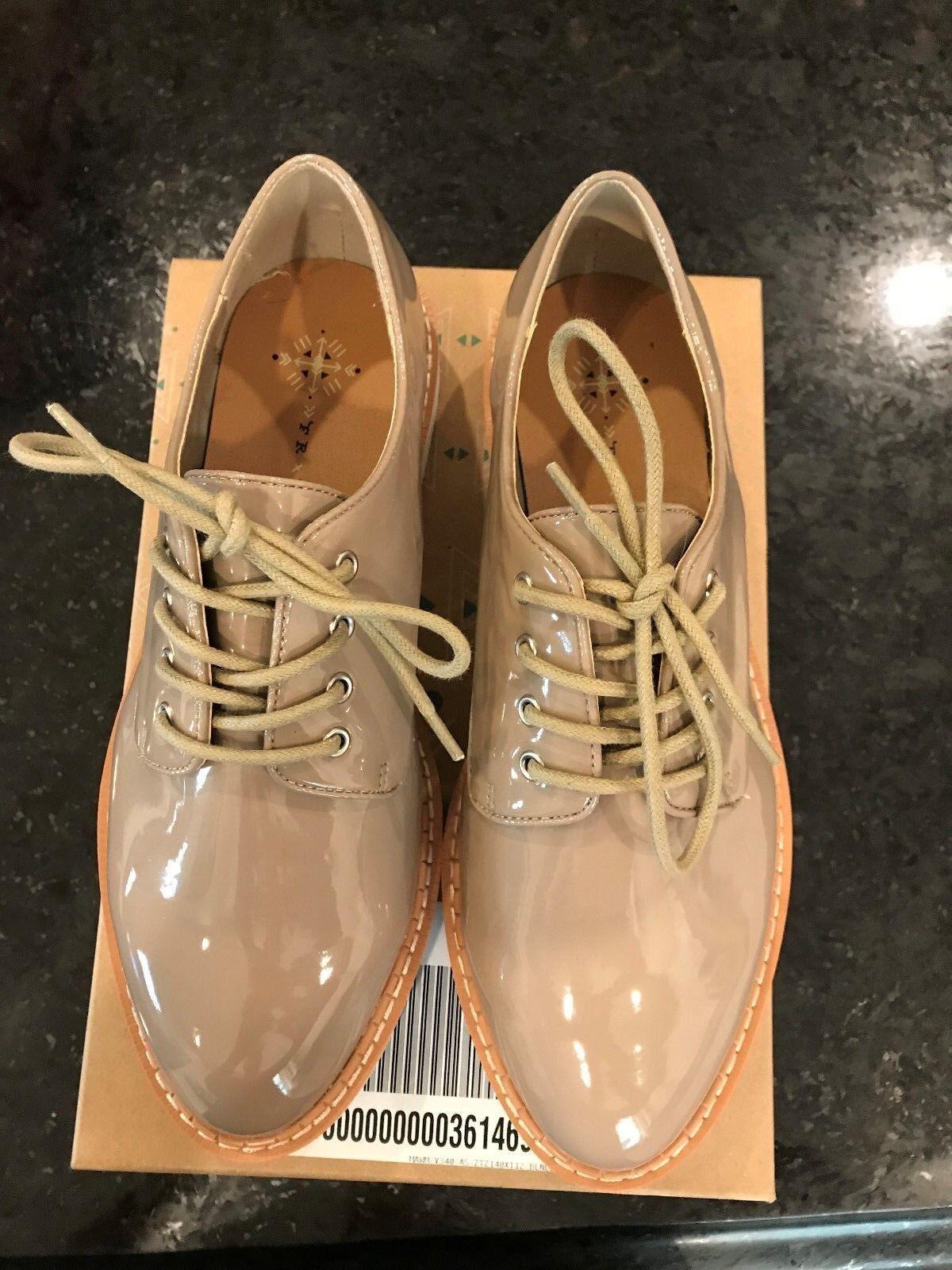 NIB Free People FARYL ROBIN Pearson Vegan Patent Menswear shoes NUDE 9