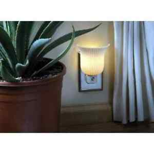 Night-Light-Plug-in-With-AUTO-Photocell-WHITE-SCONCE