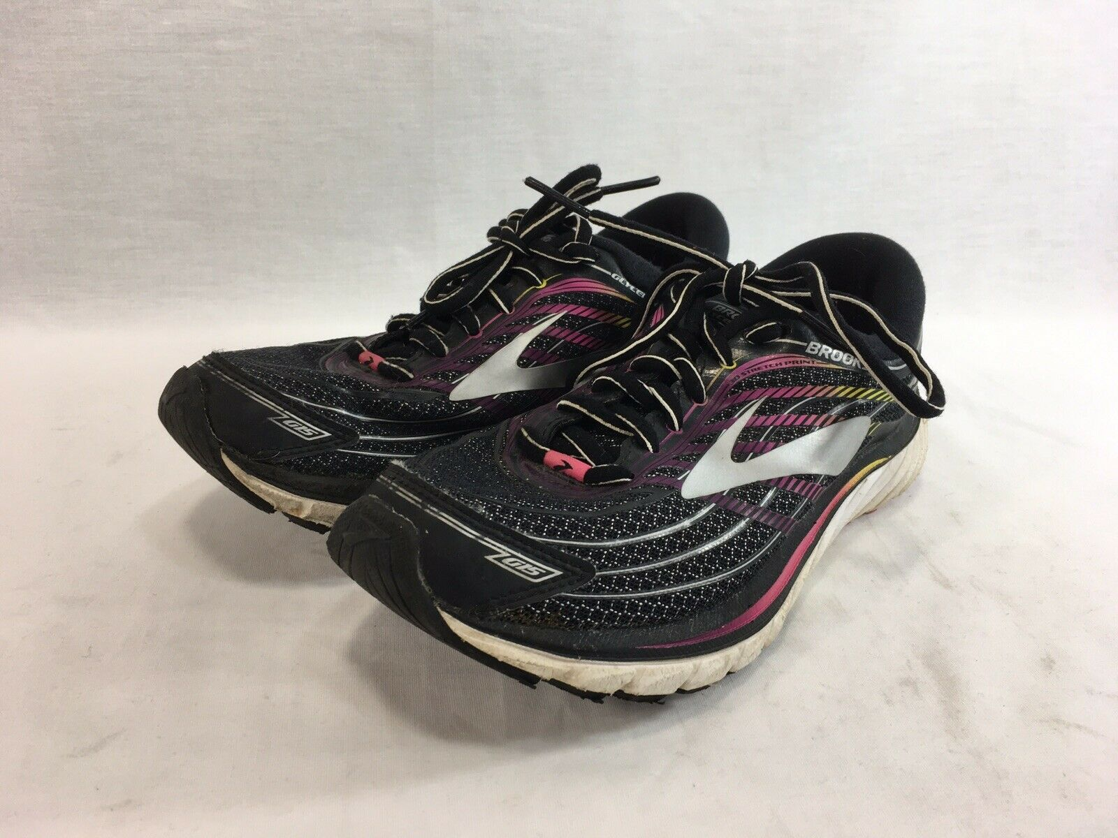 Brooks Glycerin 15 Sneakers shoes Womens 6.5 Black Pink Low Top Lace Up Running