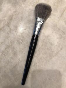 Pro Flawless Light Powder Brush #50 by Sephora Collection #7