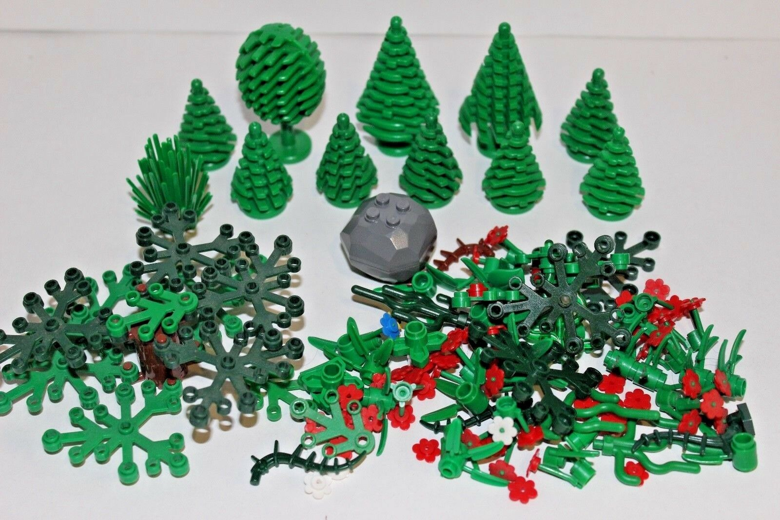 LEGO Bulk Lot - Trees Bushes Flowers Leaves Greenery Plants