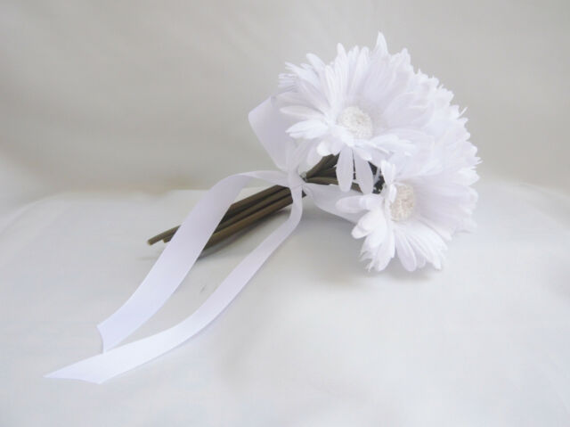ARTIFICIAL WHITE DAISIES BOUQUET FOR BRIDESMAID FLOWER GIRL HOME DECORATION