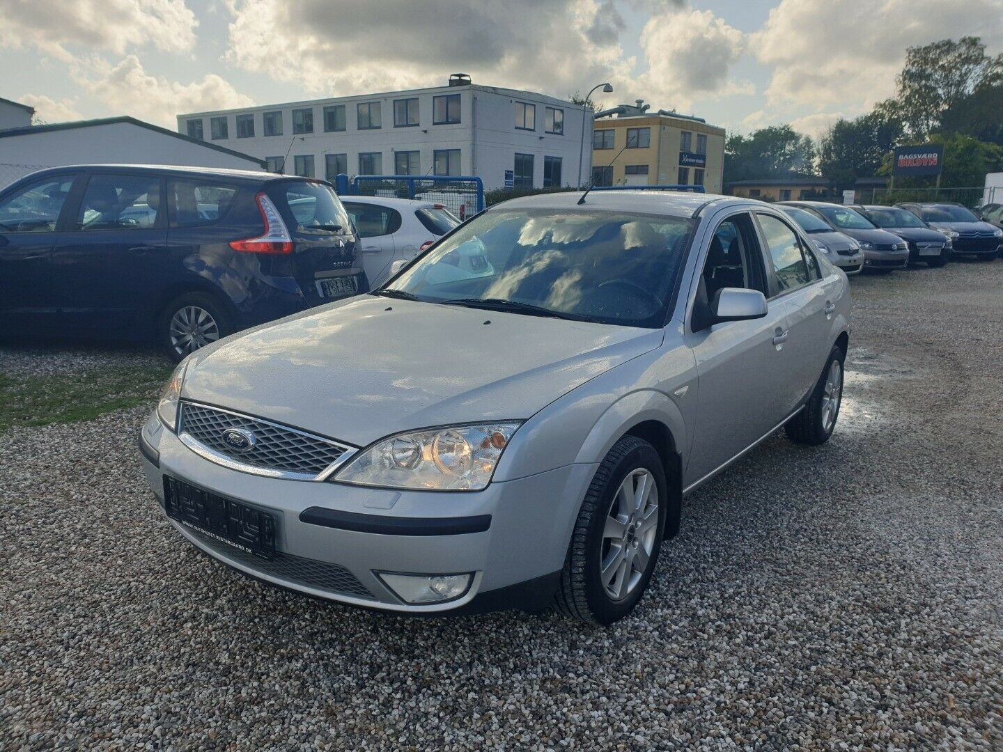 Ford Mondeo 2,0 145 Trend 5d - 23.900 kr.