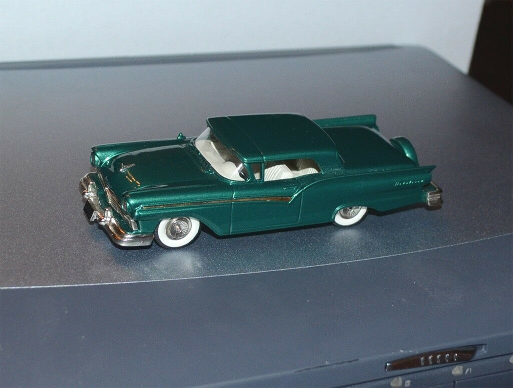 hasta un 70% de descuento Brooklin 1957 Ford Fairlane Skyliner c.t.c.s c.t.c.s c.t.c.s 1981 1 43 Hecho a Mano BRK 35X CTCS  exclusivo