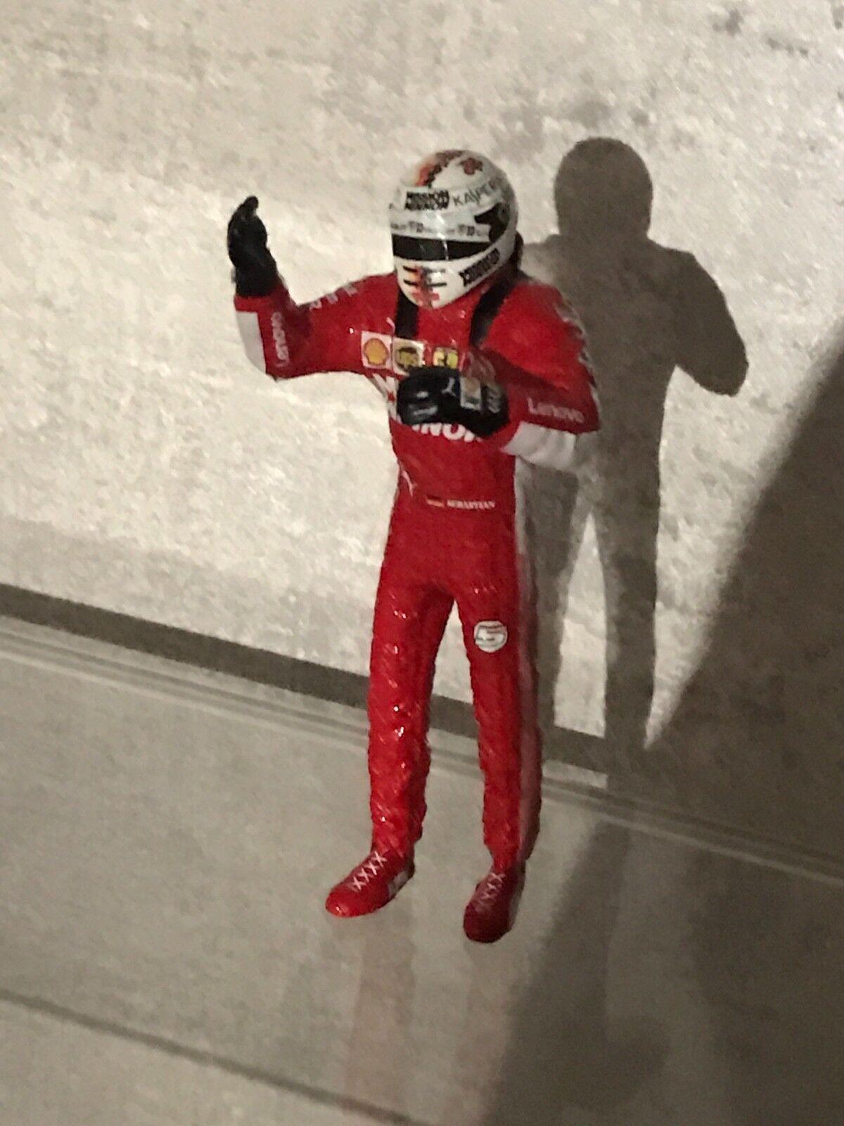 Figurine ferrari vettel 1:18 / vettel nouveau sponsor
