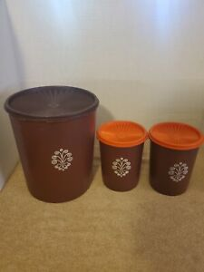 Vtg Tupperware Brown Set Servalier Nesting Canisters 1-#1339 2-#811 with Lids