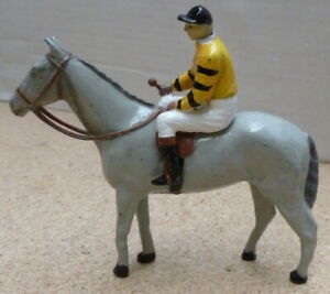 britains-racing-colours-lead-horse-amp-jockey-Set-RC152