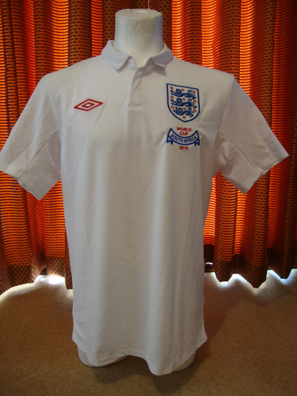England Limited Edition World Cup 2010 Home Shirt Umbro - BNWT 46