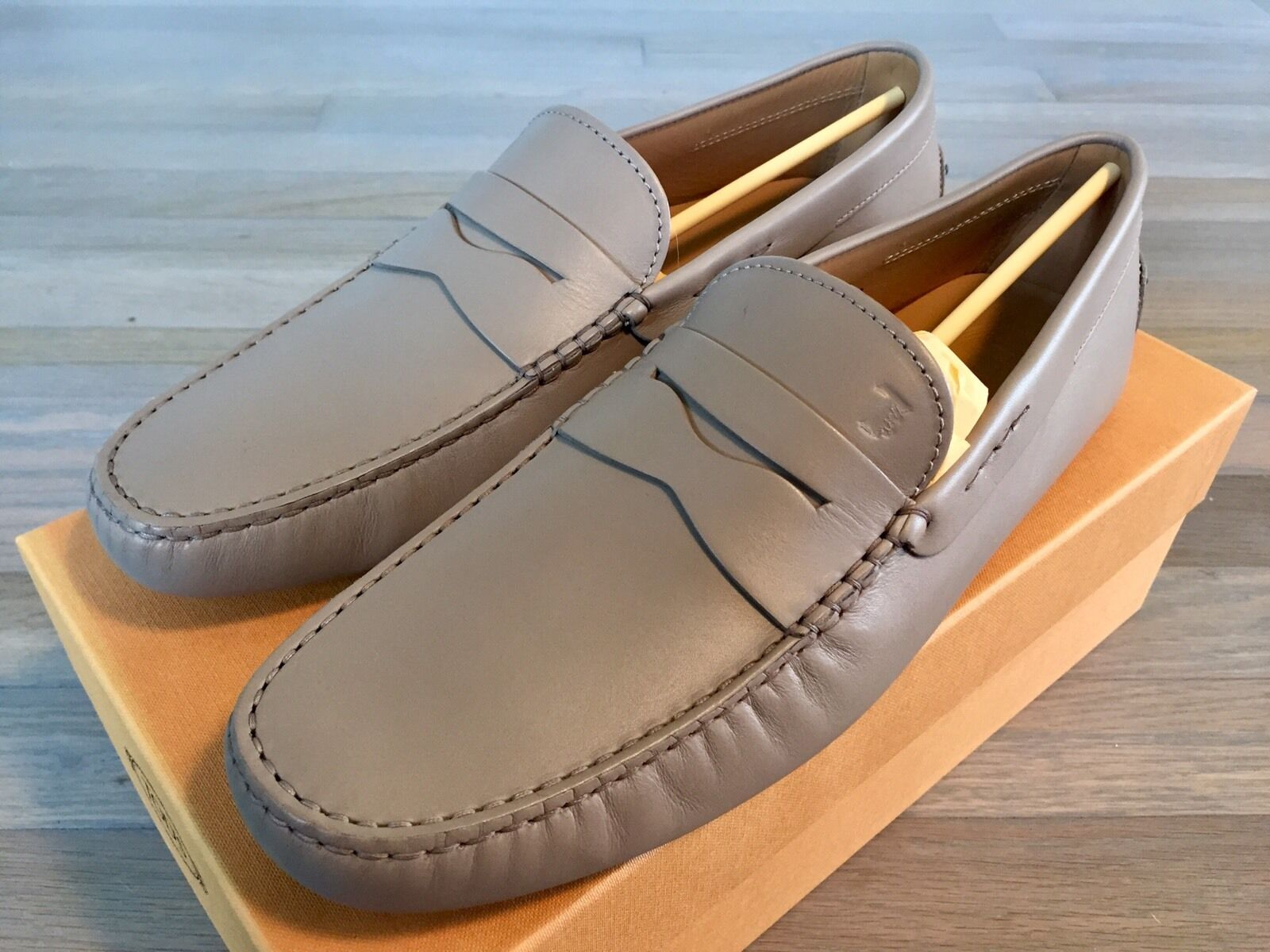 550$ Tod's Drivers Light Tan Gommino Size US 12 Made In Italy