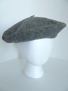 089784f8a89 Vintage Kangol Gray 100% Wool Beret Hat Cap. Made in England