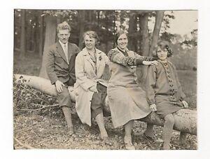 2-689-FOTO-FAMILIE-BEREITET-SICH-AUF-NEUES-AUTO-VOR-UM-1930-PROBEFAHRT-MODE