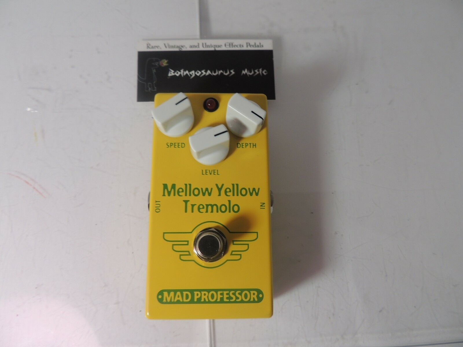 Mad Professor Mellow Gelb Tremolo Effects Pedal Free USA S&H