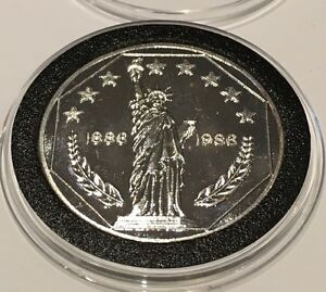 1986 Statue of Liberty Vintage Collectible 1 Troy Oz .999 Fine Silver Round Coin