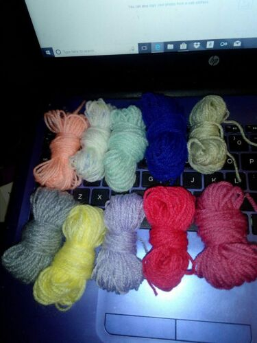 pompoms,oddments,small-projects, Assorted Wool//yarn DK Small ball