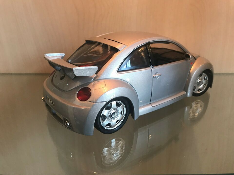 Modelbil, 1999 VW New Beetle RSI, skala 1:18