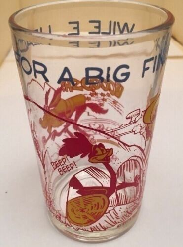 1 Vintage 1974 WILE E.HEADS FOR A BIG FINISH Warner Bros.Welch's Jelly Jar Glass