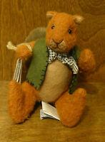 Ganz Cottage By Lorraine Chien Cc030 Nutcracker, 7 From Retail Store Squirrel