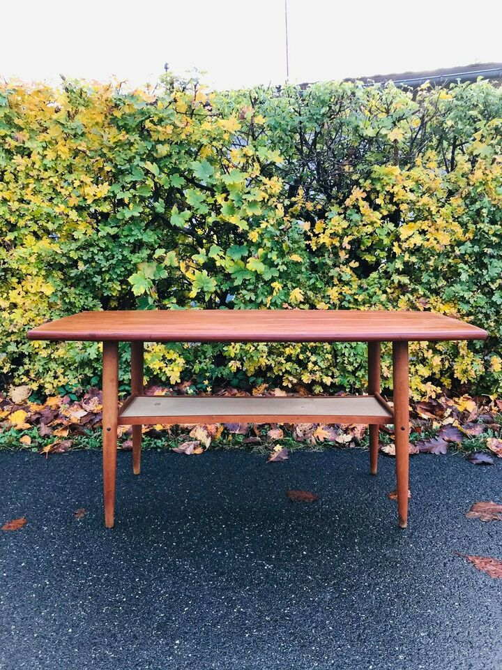 Sofabord, teaktræ, b: 55 l: 105 h: 52