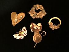 5 Vintage Pins All Gold Tone Very Unique, Very Pretty
