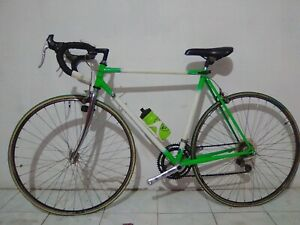 Bicicleta carretera clásica años 90.