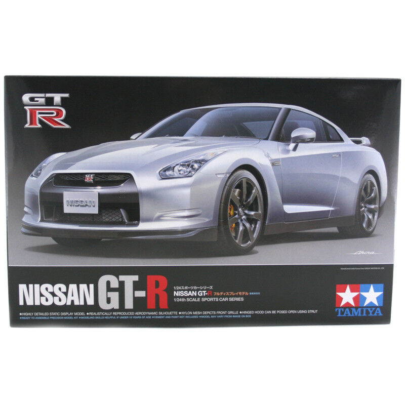 Tamiya Nissan GT-R (Scale 1 24) Car Model Kit 24300 NEW