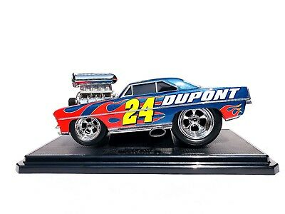 MUSCLE MACHINES 67 NOVA 1:18 NASCAR JEFF GORDON #24 DUPONT