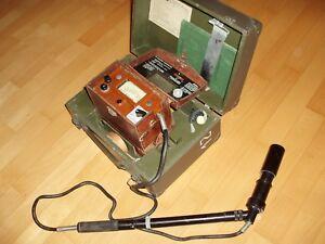 Geigerzaehler-Radiometer-DP-66-M-top-SOLIDE-im-Koffer-Gamma-und-Beta-Alpha