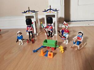 Playmobil-Nostalgie-Palastwache-Gardesoldaten-5581-2-Wachhaeuser-rosa-Serie