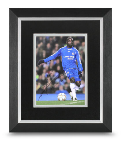 Claude Makelele Signed 10x8 Photo Display Framed Chelsea Memorabilia Autograph