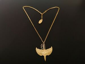 chaîne en plaqué or pendentif
