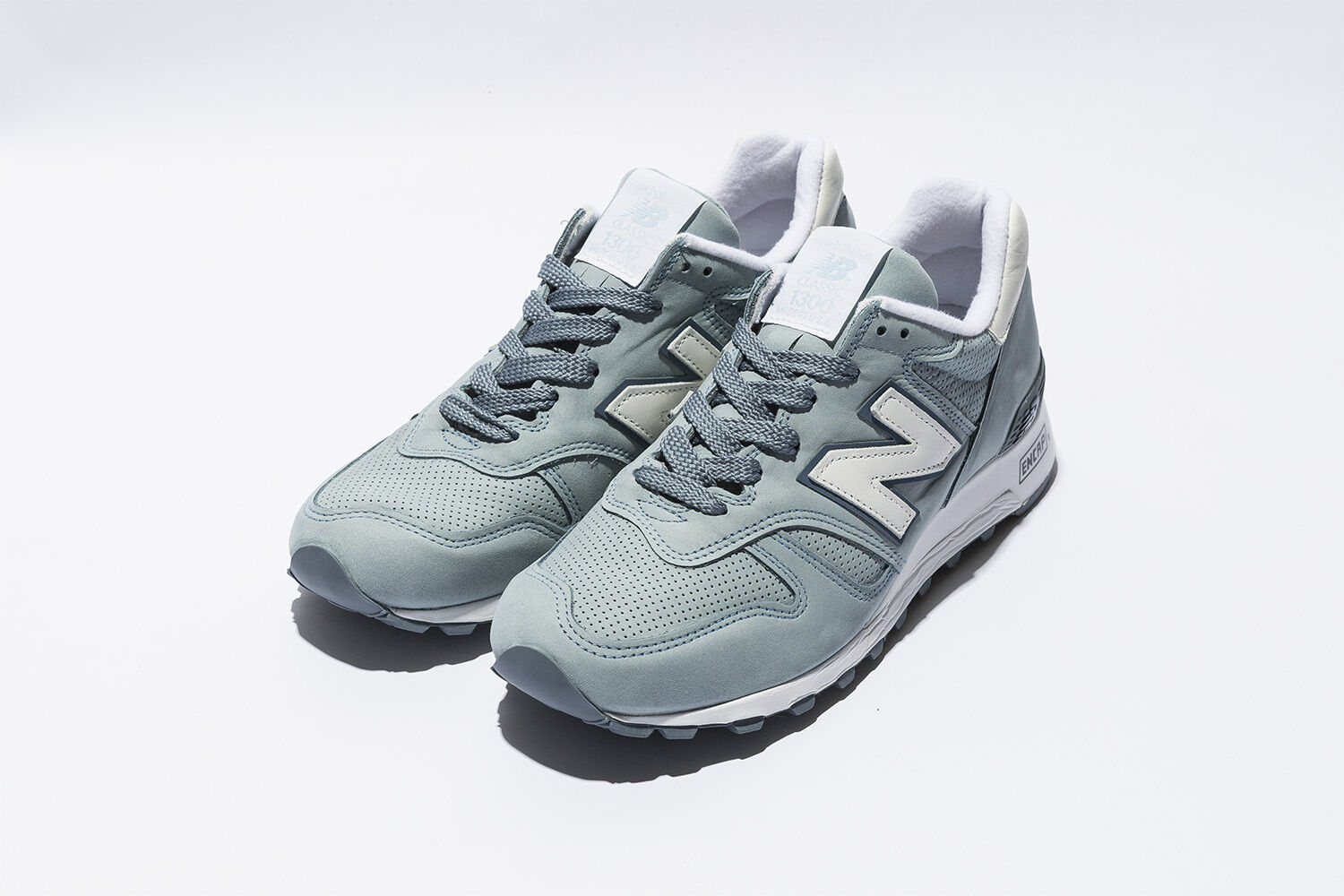 NIB New Balance MENS M1300DTO MADE IN USA CHAMBRAY BLUE LEATHER CLASSIC SNEAKERS