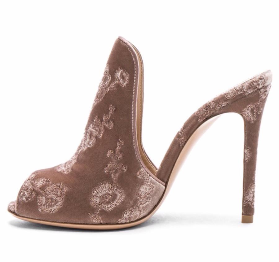 Gianvito Rossi Floral-Embroidered Velvet Mule Sandal Sz 7.5US 37.5EUR MSRP  850