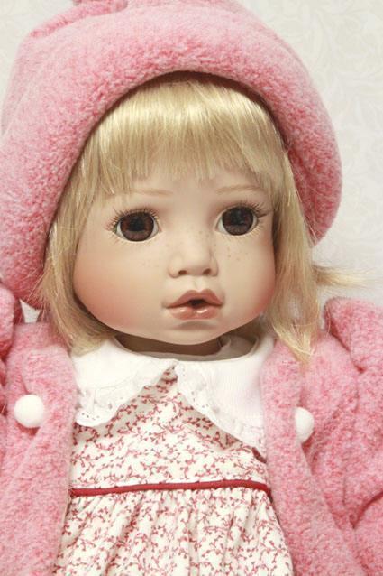 Lizzie - Vinyl Puppe von Celia Dolls, Limitierte Auflage