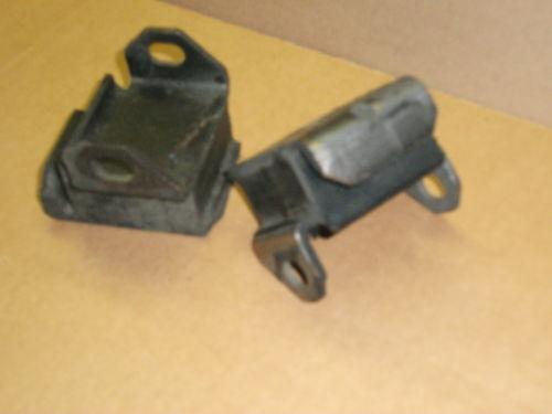 pair motor mounts USA 33792404 1962 63 64 65 66 1967 Chevrolet 6 cyl 31-2231