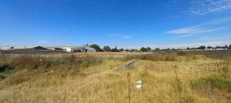 20739m² Commercial To Let in Bartletts at R1.95 per m²
