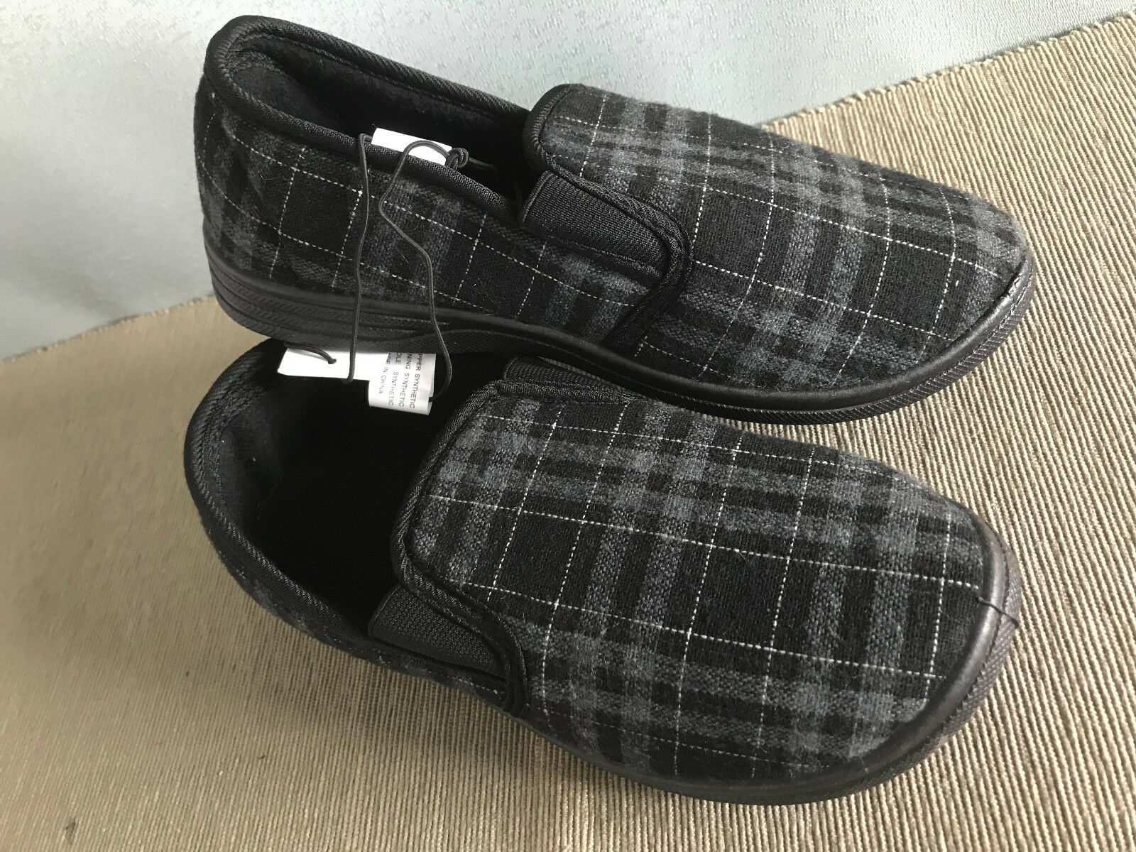 BNWT Mens Size AUS 10 Smart Checked Comfy Fabric Slippers in Navy Blue or Grey