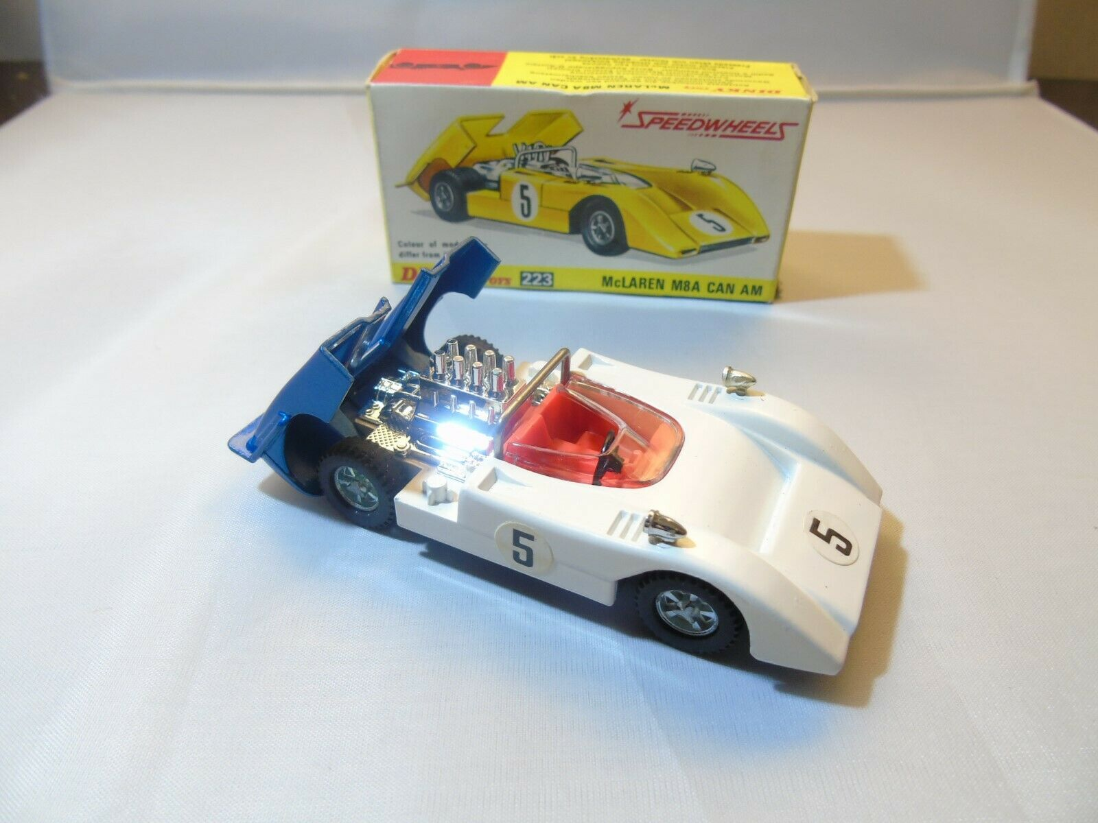 Dinky 223 McLaren Can Am, bluee bluee bluee White, Red interior, in original box 966a0c