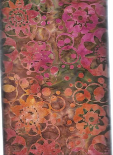 Somba B1694 Batik Timeless Treasures   100/% Cotton Fabric priced by 1//2 yd