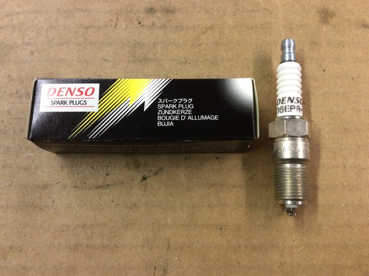 Pack of 1 Denso T16EPR-U Traditional Spark Plug 5022