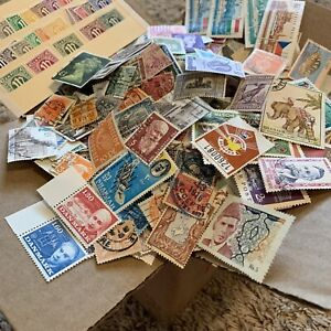 WW-STAMP-BOX-LOT-THOUSANDS-OF-OFF-PAPER-STAMPS-FROM-OVER-50-WORLDWIDE-COUNTRIES