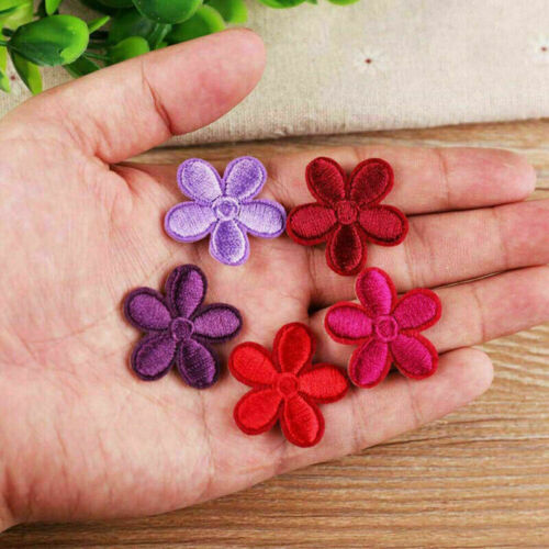 10X Embroidered Sew Daisy Flower Applique Clothing Iron On Patches Badges DIY