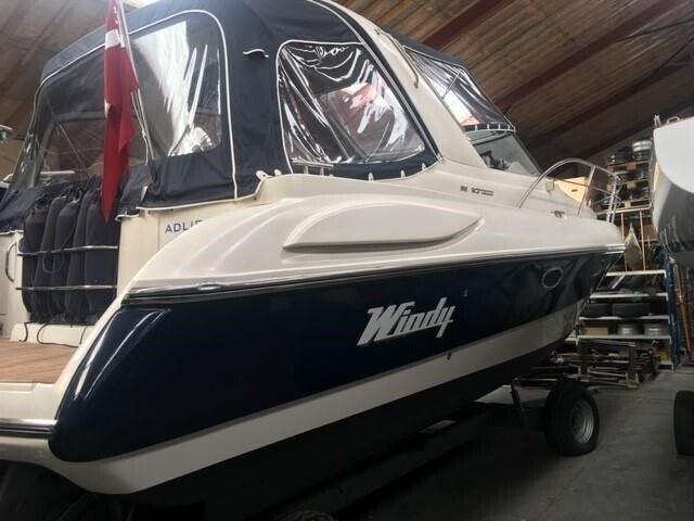 Windy 32 Scirocco, Motorbåd, årg. 2004