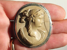 BELLE BROCHE ANCIENNE d'époque XIXème avec CAMEE en PIERRE DE LAVE / Ht 5,1cm !