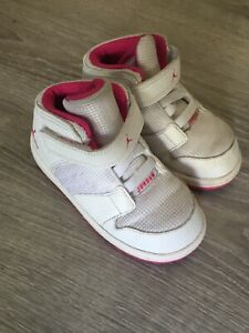 meet 939a4 565db Details about Girls Air Jordans Shoes Basketball White Pink Children's US  Size 8c