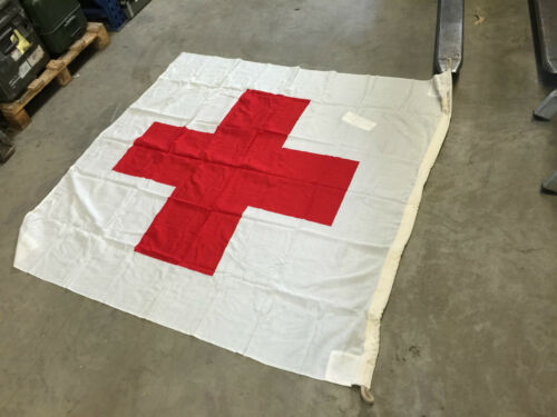NUOVO Croce ROSSA hissflagge Rosso Croce bandiere bandiere esercito tedesco 150x150cm