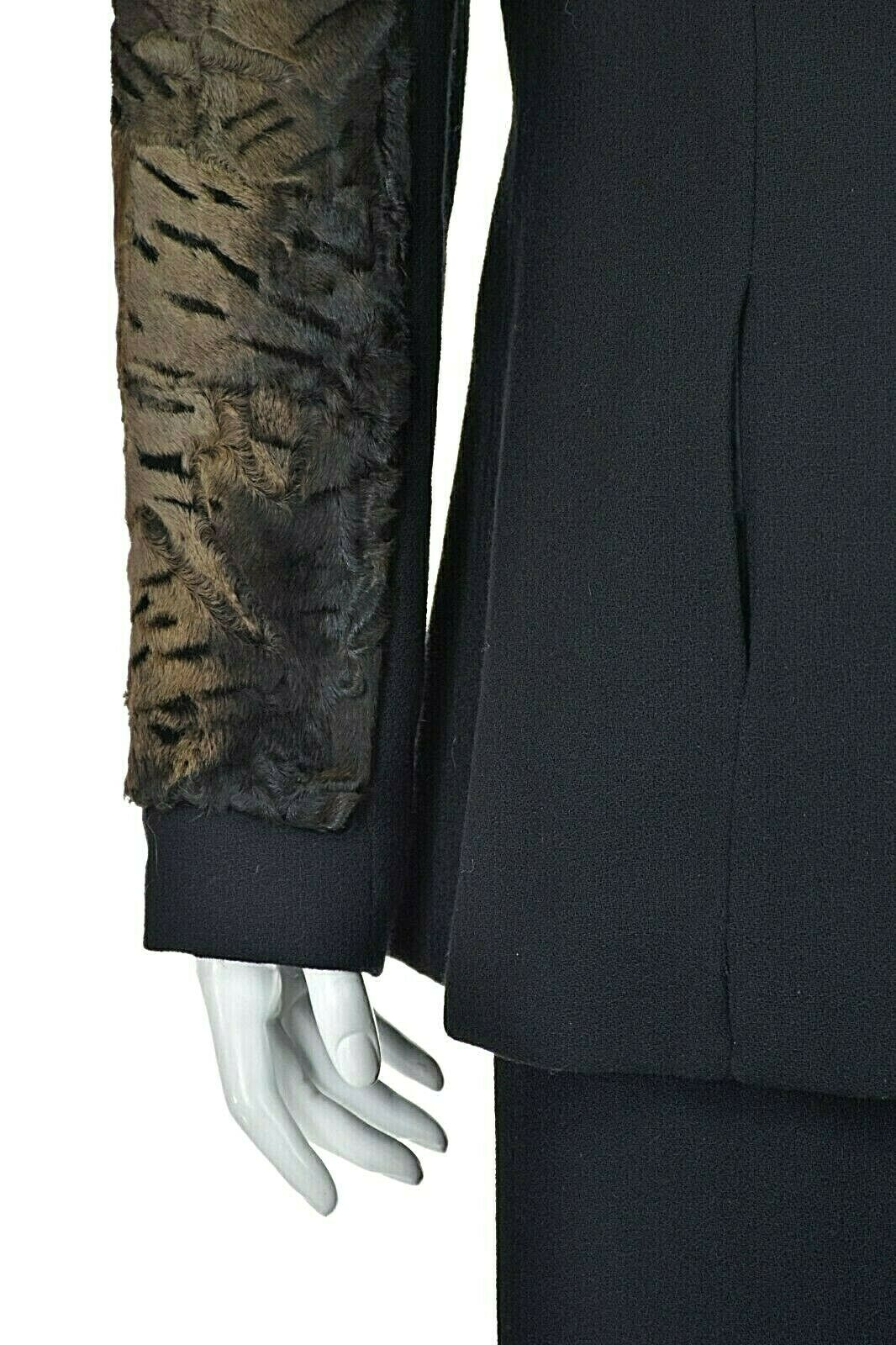 TRAVILLA Vintage Wool Crepe Skirt Suit with Persi… - image 3