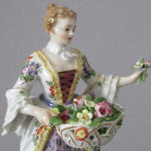 Antique-MEISSEN-HP-Porcelain-5-5-034-Figurine-LADY-Holding-BASKET-of-FLOWERS-Posy