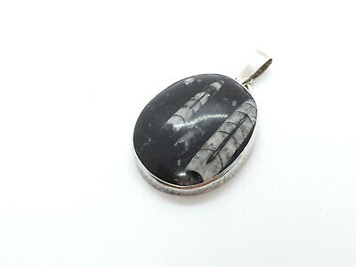 Vintage-Necklace-Pendant-Silver-Gray-Oval-White-Brown-Jewelry-Accessories