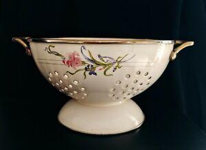 RARE-Vintage-Enamelware-Beige-Floral-Footed-Colander-Strainer-W-Brass-Handles